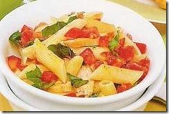 Pasta Penne con Pollo y Salsa de Tomate. Receta | cocinamuyfacil.com