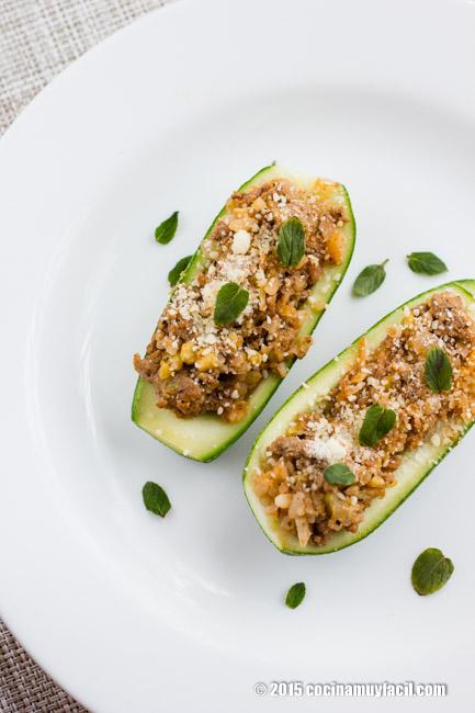 Calabacitas rellenas a la italiana. Receta | cocinamuyfacil.com