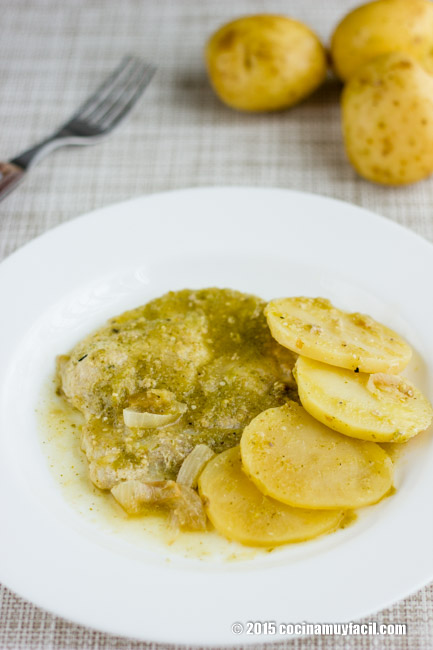 Chuletas en salsa verde. Receta | cocinamuyfacil.com