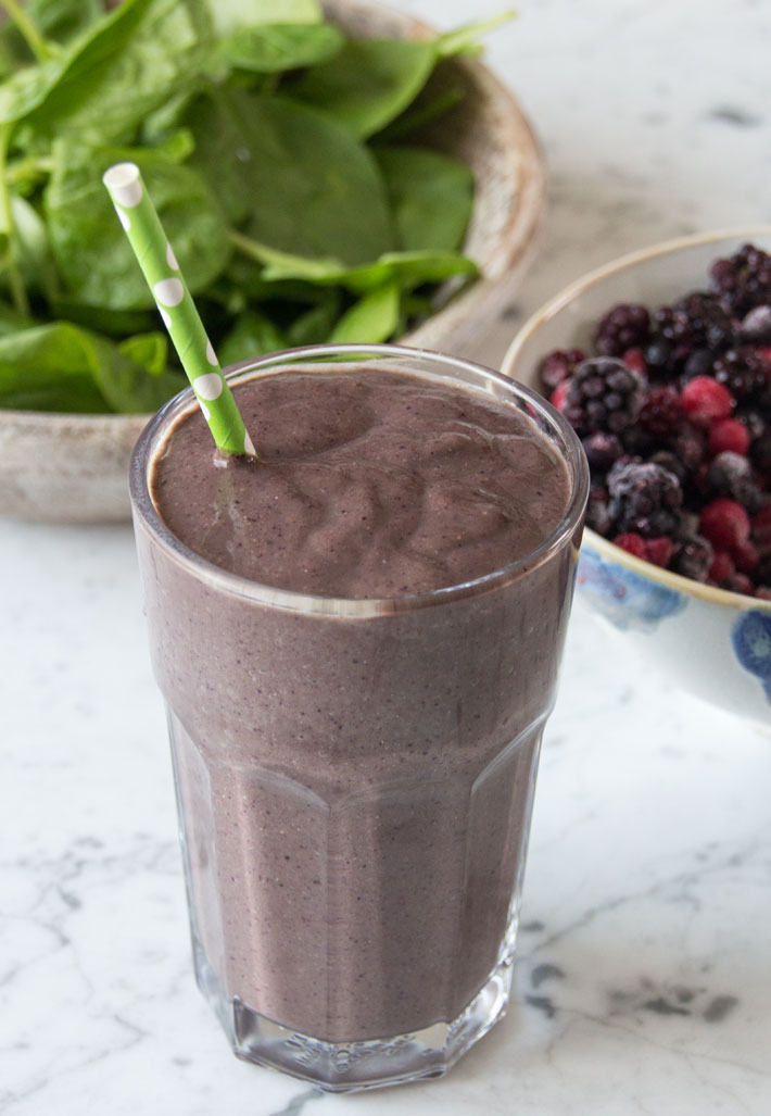 The easiest breakfast smoothie from DeliciouslytElla