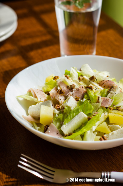Ham and cheese salad. Recipe   cocinamuyfacil.com