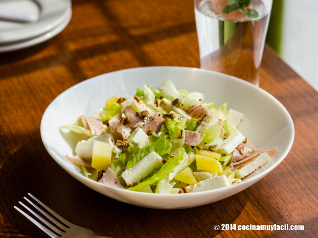 Ham and cheese salad. Recipe | cocinamuyfacil.com