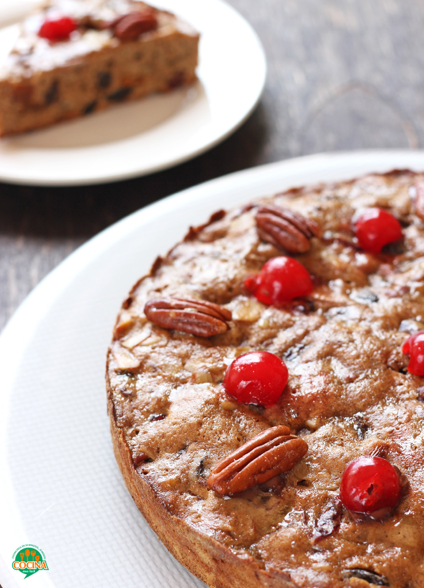 Tarta de frutos secos o fruitcake navideño. Receta | cocinamuyfacil.com