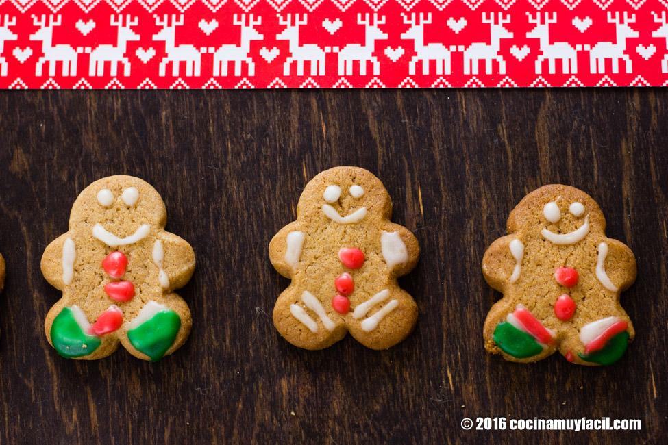 Galletas de jengibre. Receta para Navidad   cocinamuyfacil.com