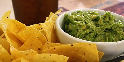 Bocadillo para el trabajo: Guacamole y totopos