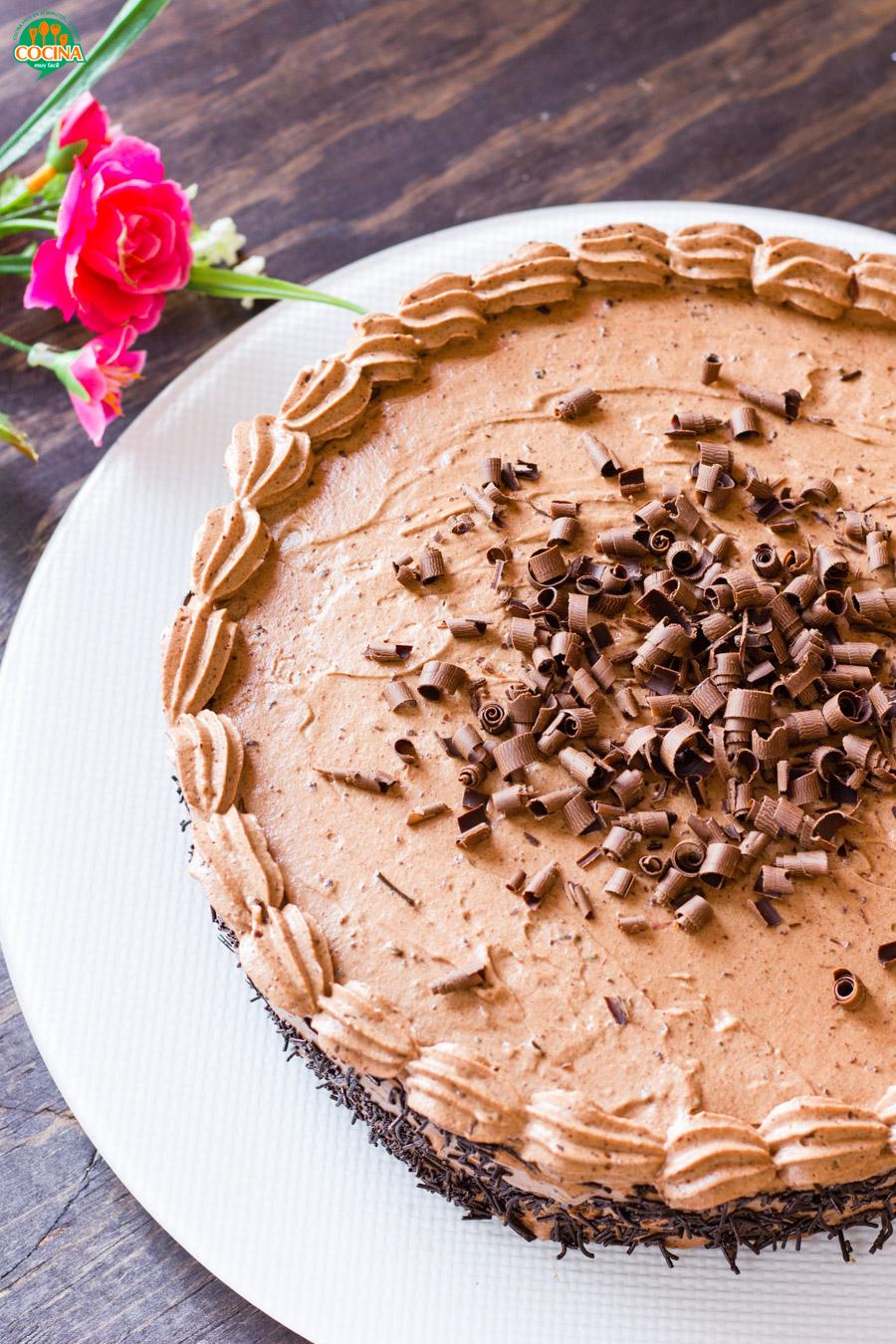Pastel de chocolate. Receta | cocinamuyfacil.com