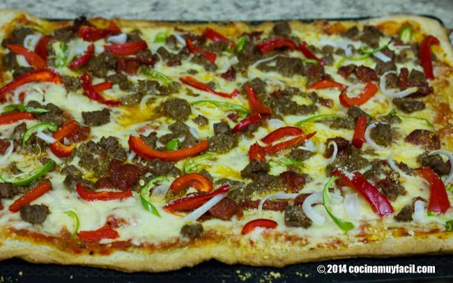 Mexican pizza. Recipe | cocinamuyfacil.com