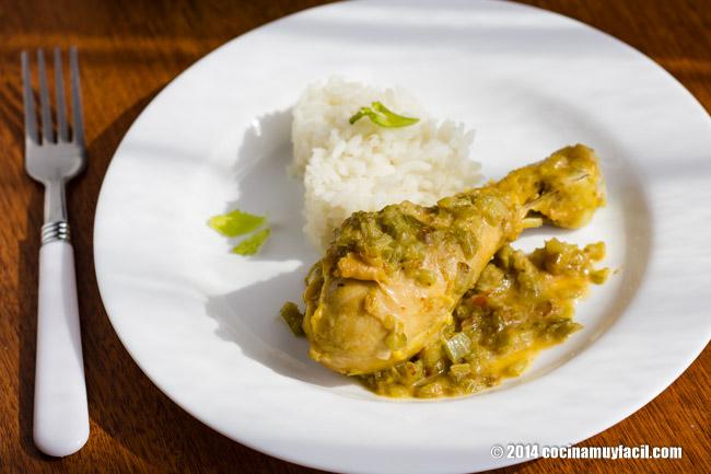 Pollo al apio. Receta | cocinamuyfacil.com