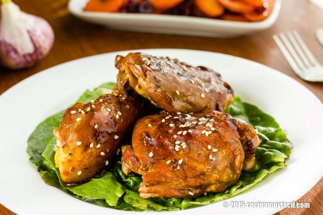 Honey glazed chicken with garlic. Recipe | cocinamuyfacil.com/en/
