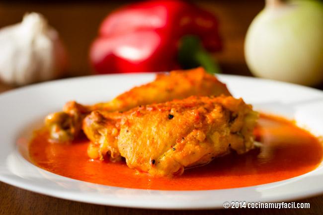 Pollo en salsa de pimiento   cocinamuyfacil.com