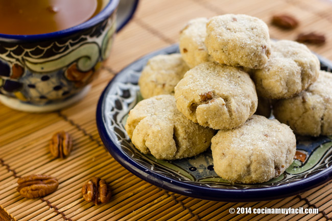 Mexican walnut cookies (Polvorones). Recipe