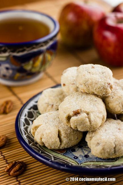 Mexican walnut cookies (Polvorones). Recipe | cocinamuyfacil.com/en/
