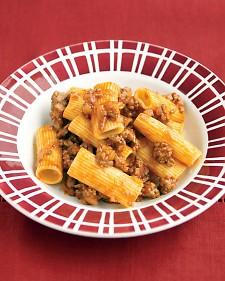 Rigatoni con Salsa de Carne. Receta de Pasta