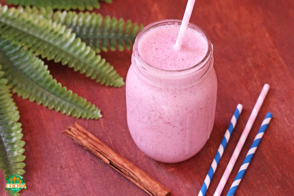 Smoothie de fresas y zarzamoras. Receta | cocinamuyfacil.com