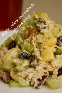 Apple, celery and walnuts chicken salad | alvaluz.com