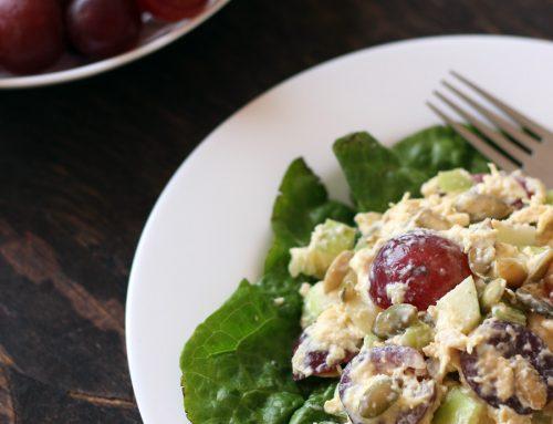 Ensalada de pollo, manzana y uvas rojas. Receta