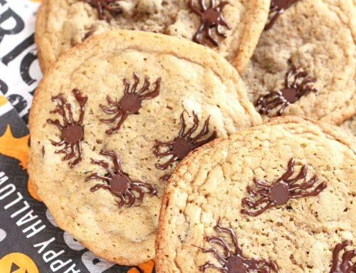Galletas de araña con chispas de chocolate. Receta de Halloween