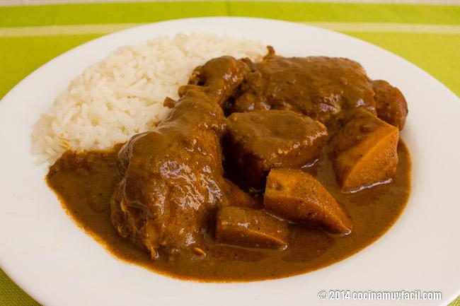 Chicken in Red Pipian. Recipe | cocinamuyfacil.com