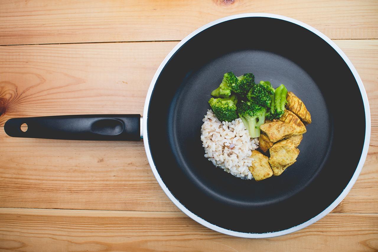 Cómo elegir sartenes de calidad para tu cocina | cocinamuyfacil.com